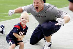 J.J. Watt surprises fans in creepiest way - Photo