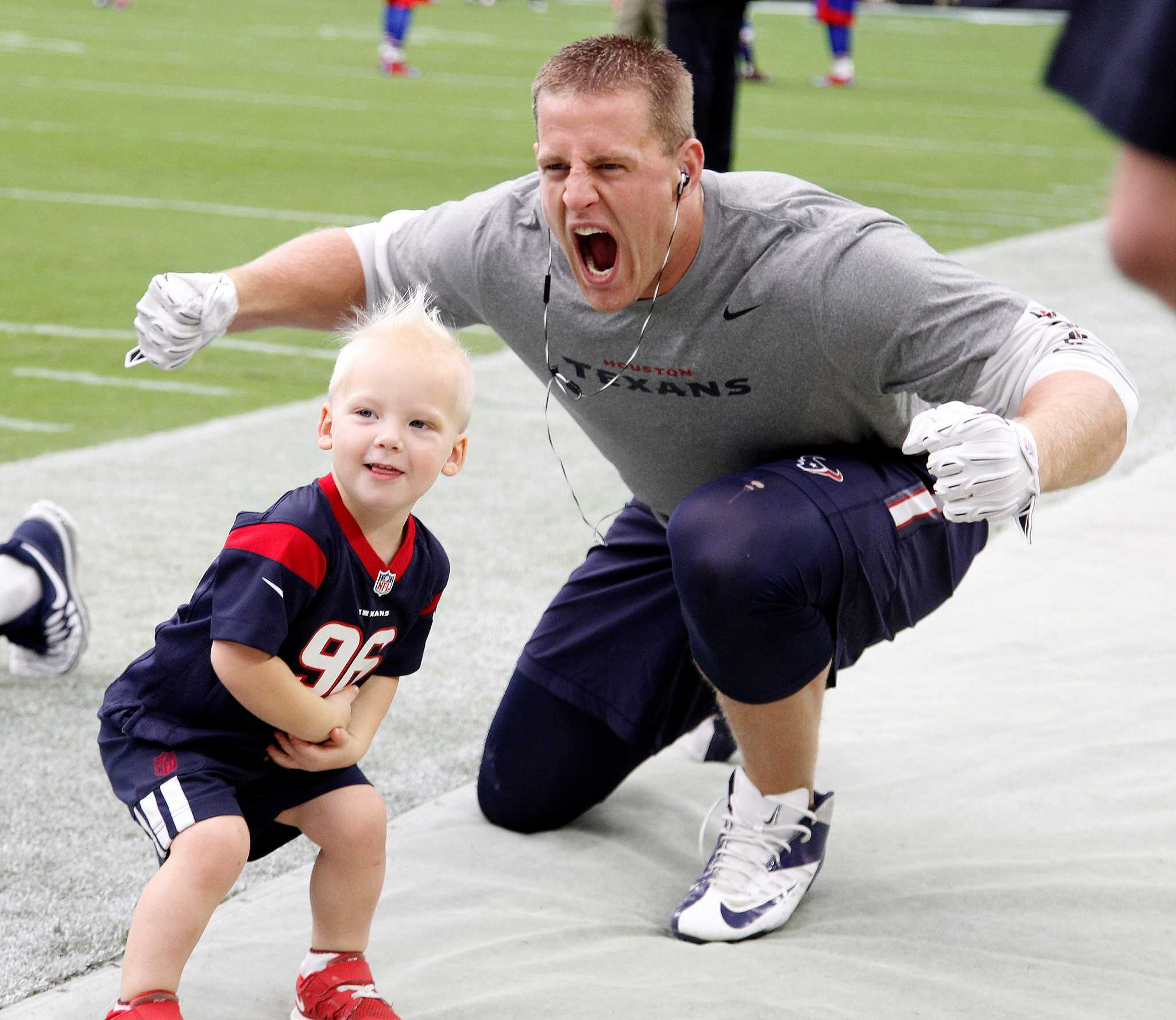 Jj watt roams the area meeting fans when hes not doing football jj watt roams the area meeting fans when hes not doing football things houston chronicle kristyandbryce Image collections