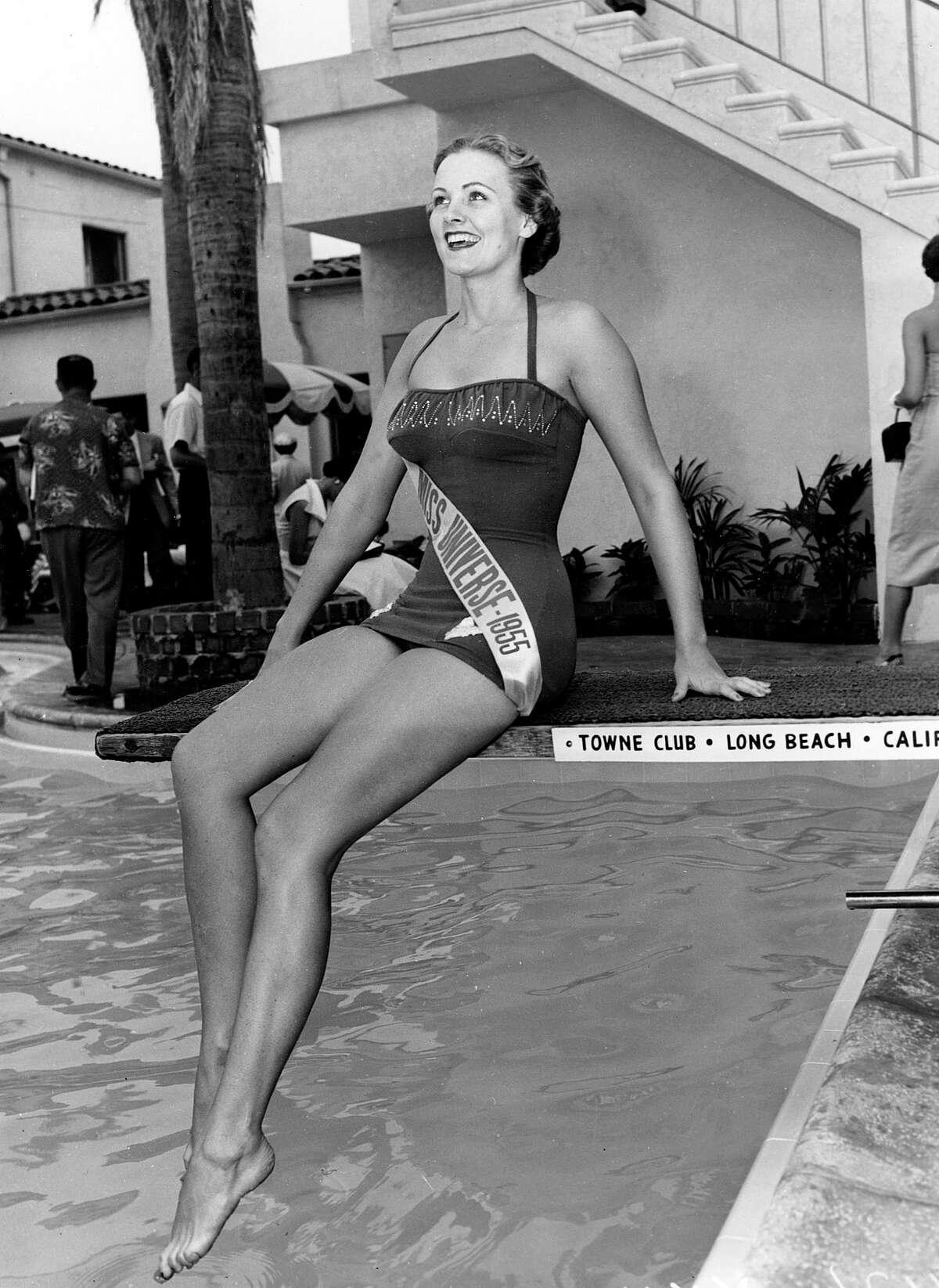 1954: Miriam Stevenson, USA
