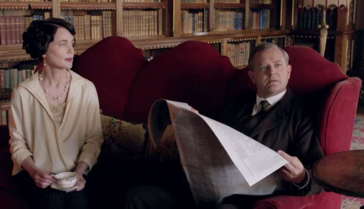 2. Lord Grantham ignores his wife.