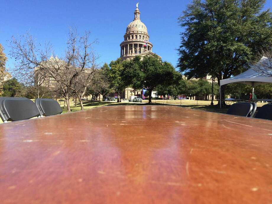 The Texas capitol stands ready for four tons of brisket one ton of chicken breast and the first new governor in 12 years. Before Abbott is sworn in, take a look back at inaugurations from years past. Photo: Madlin Mekelburg