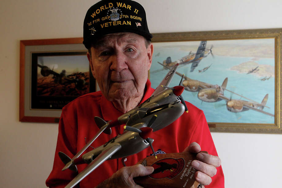 Colonel (retired) Darrell G. Wech, 96, was one of the few remaining flying aces in San Antonio, with five air victories against the Germans in 1942. Welch died Jan. 13. Photo: JOHN DAVENPORT /SAN ANTONIO EXPRESS-NEWS / ©San Antonio Express-News/Photo may be sold to the public