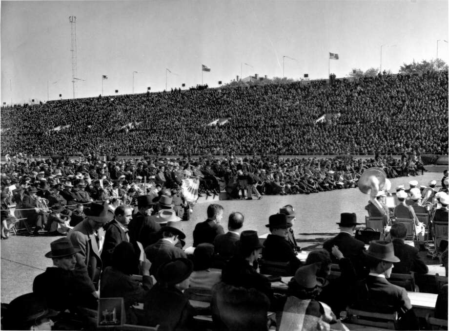"The biggest inaugural extravaganza of all occurred in 1939, at the tail end of the Depression, when W. Lee ""Please Pass the Biscuits, Pappy"" O'Daniel took the oath of office at the University of Texas' Memorial Stadium. Nearly 60,000 Texans witnessed the Fort Worth flour salesman and popular radio personality take the oath. Photo: Jess Gibson /Houston Chronicle / Houston Chronicle"