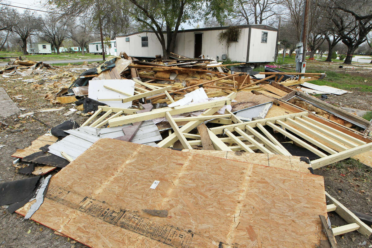 A dismantled mobile home will be hauled away with other abandoned mobile homes at the Mission Trails Mobile Home Community at 1515 Mission Road.
