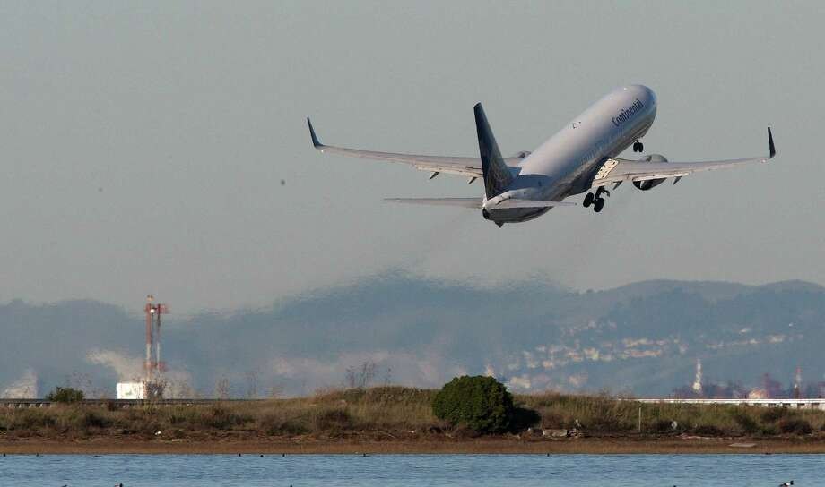 Planes take off and land at San Francisco International Airport in 2008. Photo: Michael Macor / The Chronicle / SFC