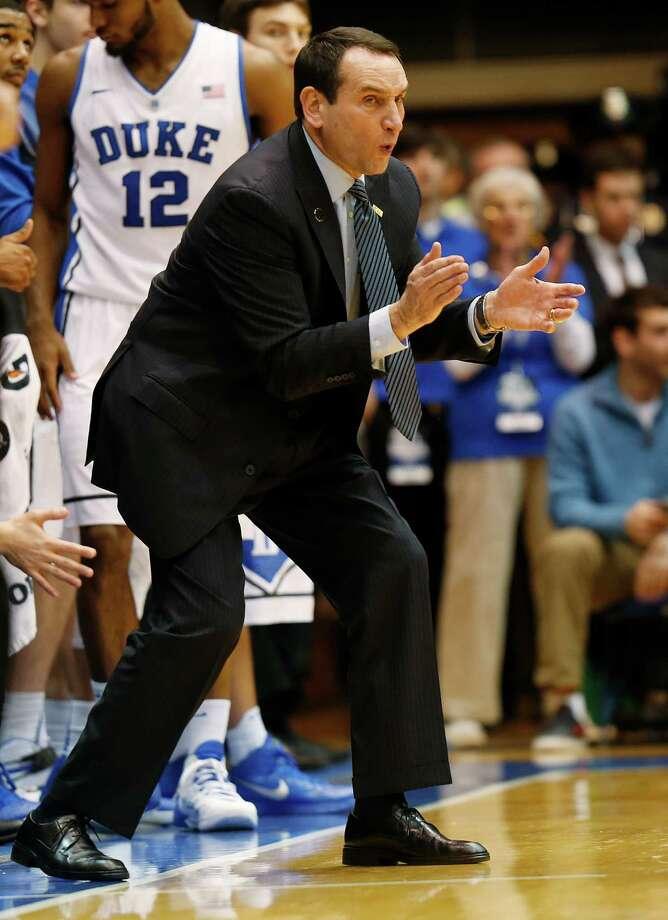 Duke head coach Mike Krzyzewski can win his 1,000th game Sunday. Photo: Ellen Ozier / Associated Press / FR171091 AP