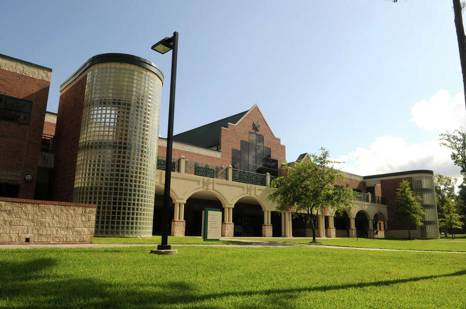 The campus of the Lone Star College System's Kingwood college. The system is the fastest-growing large community college in Texas. Photo: Jerry Baker, Freelance / Freelance