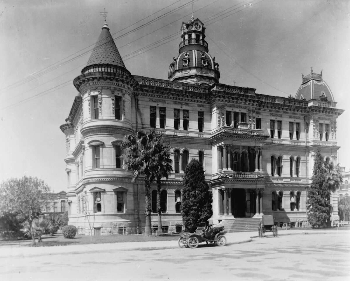 San Antonio City Hall in 1892, located in the center of Military Plaza and seen one year after completion. Otto Kramer, a St. Louis architect, designed the building in the Italian Renaissance style. The building's appearance was significantly altered in 1927 when the towers were removed and a fourth floor was added.