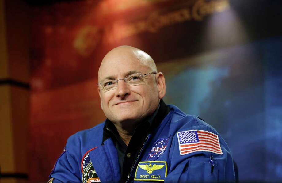 PHOTOS: 10 far out records set by astronautsNASA astronaut Scott Kelly plans to break the record for longest single spaceflight for an American when he launches into orbit Friday. Kelly will be in space for 342 days, breaking the record set by Michael Lopez-Alegria eight years ago.See other far-out space records in the gallery. Photo: David J. Phillip, STF / AP