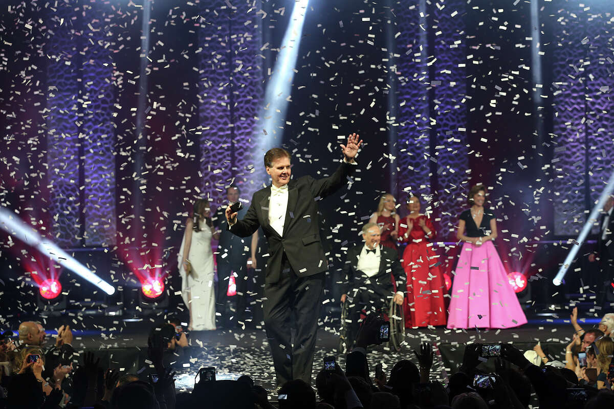 Lieutenant Governor Dan Patrick waves at the crowd during the Texas Inauguration 2015 Future of Texas Ball at the Austin Convention Center, Tuesday, Jan. 20, 2015. Governor Greg Abbott will serve as the 48th governor of the State of Texas. A crowd of 10,000 was expected to attend the event.