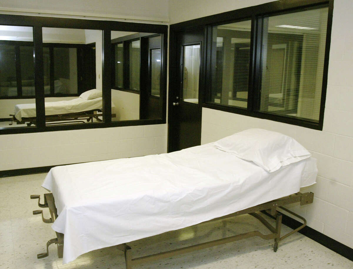 LETHAL INJECTION 1222 total executions since 1976 Used by 35 states Missouri:10 in 2014, tied with Texas for highest number