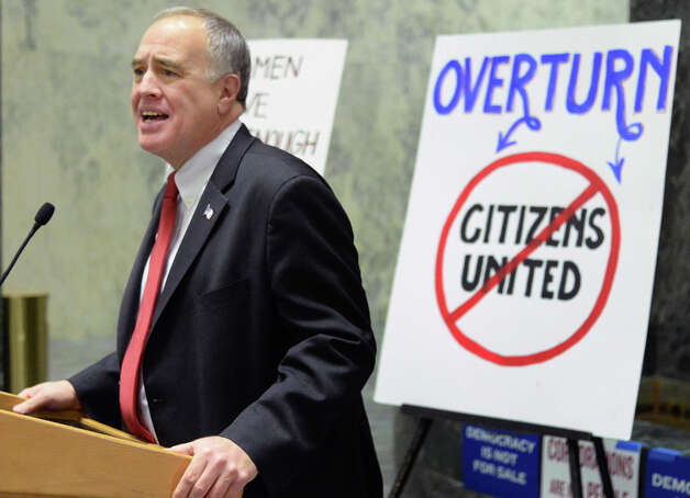 NYS Comptroller Thomas P. DiNapoli speaks during a pro democracy rally to rein in campaign spending at the Legislative Office Building Wednesday January 21, 2015 in Albany, NY.   (John Carl D'Annibale / Times Union) Photo: John Carl D'Annibale, Albany Times Union / 00030240B