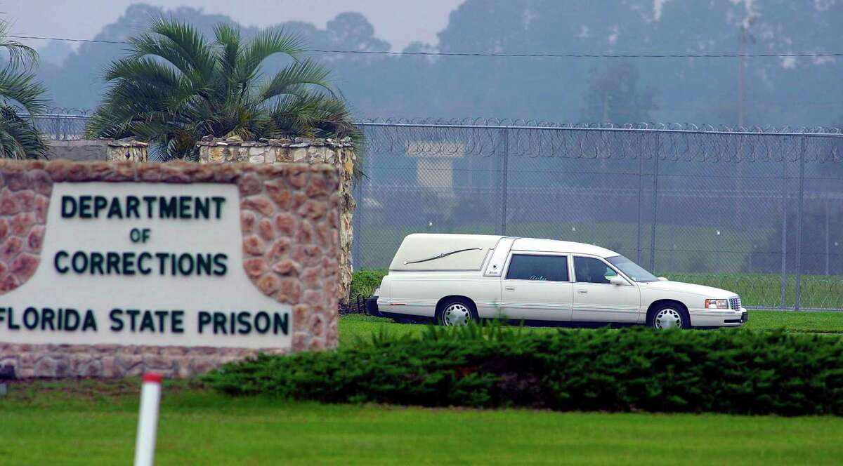 LETHAL INJECTION 1222 total executions since 1976 Used by 35 states Florida: 8 in 2014