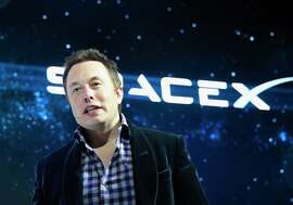 Elon Musk's SpaceX just landed a $1 billion investment from Google and Fidelity Investments.
