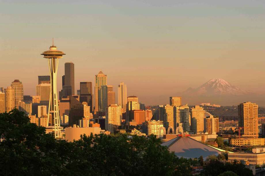 PopulationSeattle had an estimated 652,405 residents as of July 1, 2013, according to the Census Bureau. Photo: Wolfgang Kaehler, Getty Images / © 2007 Wolfgang Kaehler