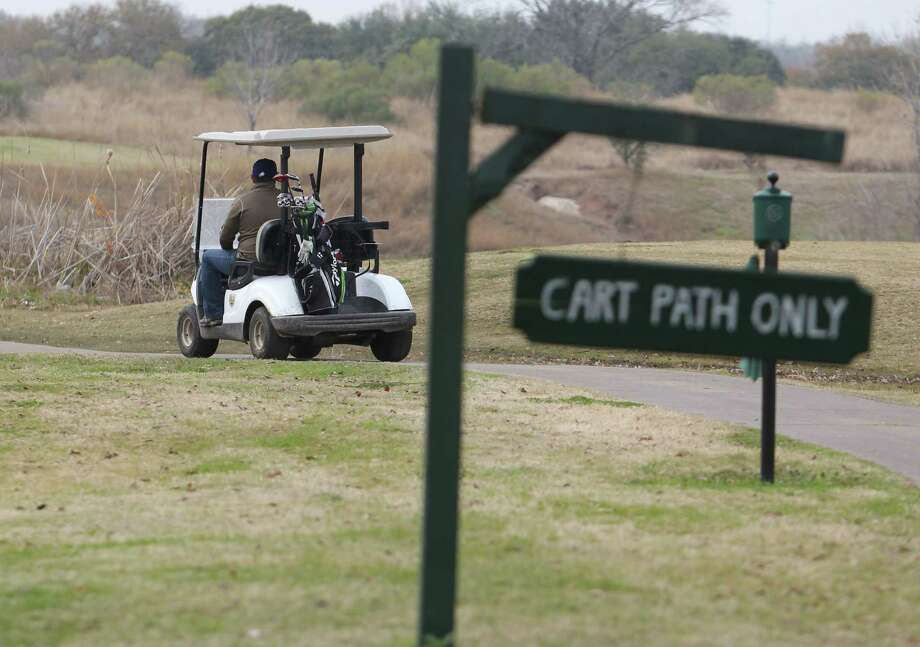The site of the proposed garden -- Glenbrook Golf Course -- as it currently appears. Photo: Billy Smith II, Chronicle / © 2015 Houston Chronicle
