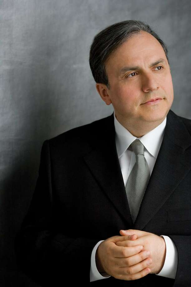 Pianist Yefim Bronfman Photo: Dario Acosta