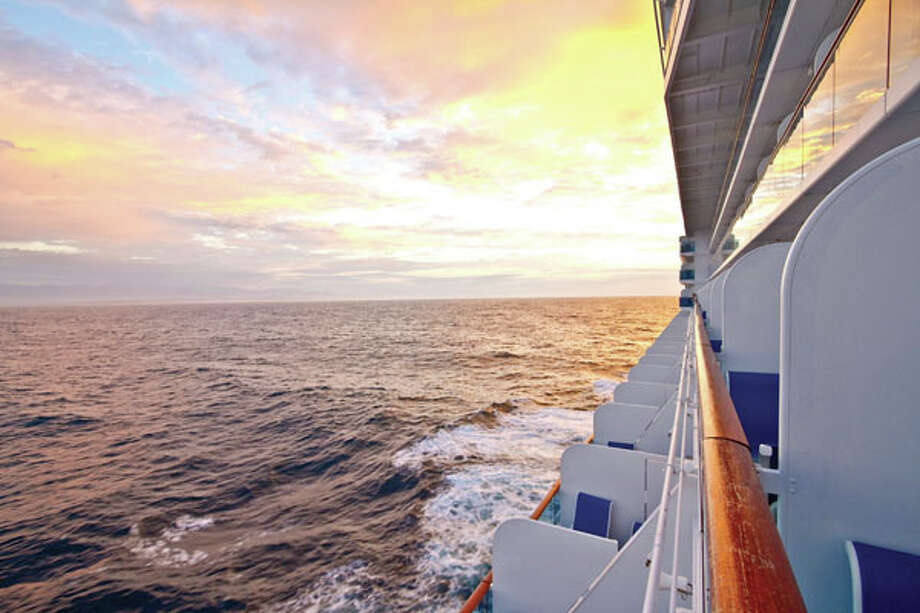 Both vacationers and area travel professionals agree that cruising can be one of the most comprehensive and enjoyable ways to pack a lot of living (or relaxation) into a week's time. Click ahead for 10 compelling reasons to take a cruise! Photo: Bob Ingelhart/Getty Images / (c) Bob Ingelhart