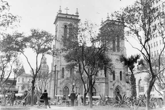 San Fernando Cathedral circa 1907.