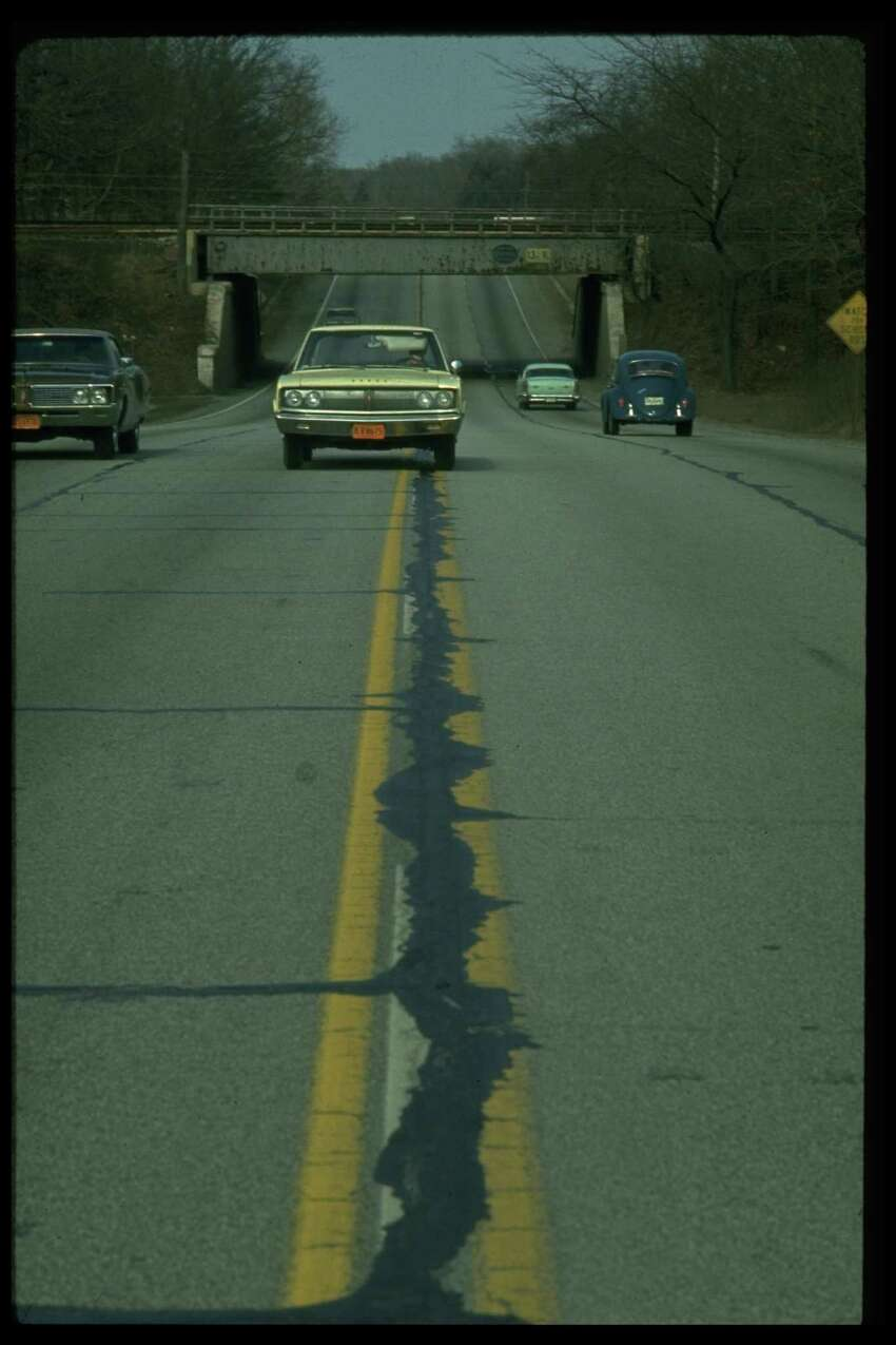 2. Straddling a lane line If a driver just can't seem to stay in the center of lane and is straddling a line, police may suspect the driver is intoxicated.