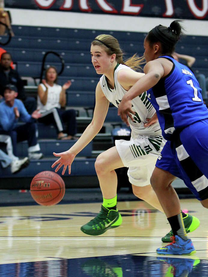 Miramonte-Orinda's Sabrina Ionescu is considered one of the top 10 juniors in the nation. The Matadors are 15-2 and ranked second in The Chronicle's Top 20 Metro poll. Photo: Dennis Lee / MaxPreps / 2014, Dennis Lee