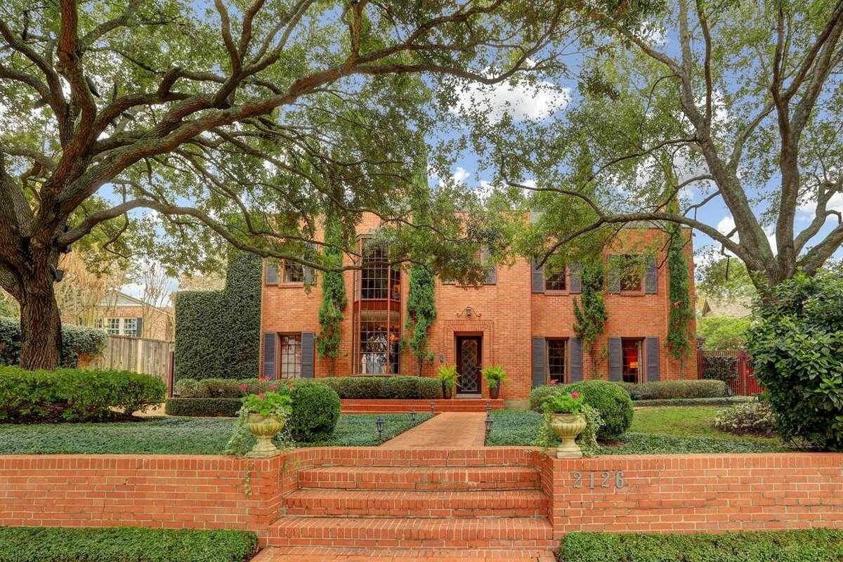 Location : 2126 Pine Valley Year built: 1936 Architect: Claude E. Hooton
