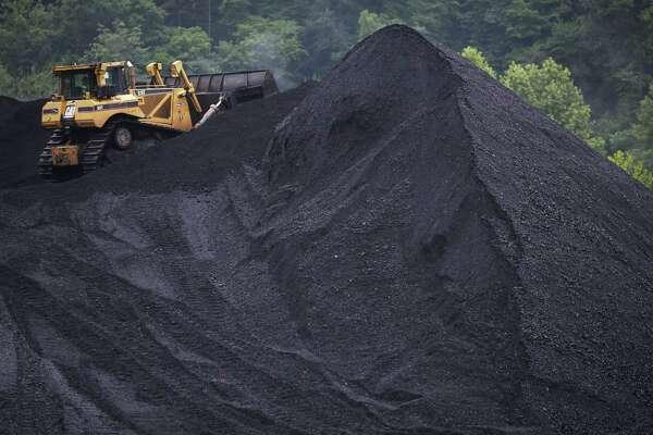 OPEC's future seen in mining slump as oil hit in shale war