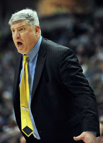 Siena's coach Jimmy Patsos instructs his team during their basketball game against Marist on Friday, Jan. 23, 2015, at Times Union Center in Albany, N.Y. (Cindy Schultz / Times Union) Photo: Cindy Schultz / 00030241A