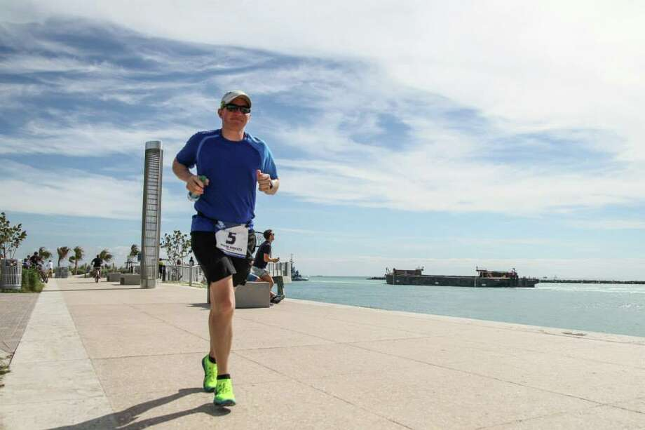 Tim Durbin, of San Francisco, completed the World Marathon Challenge on Friday, finishing the last of seven 26.2-mile worldwide races in Sydney. Photo: World Marathon Challenge