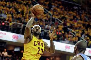 NBA results, Jan. 25: James, Cavs stop Thunder - Photo