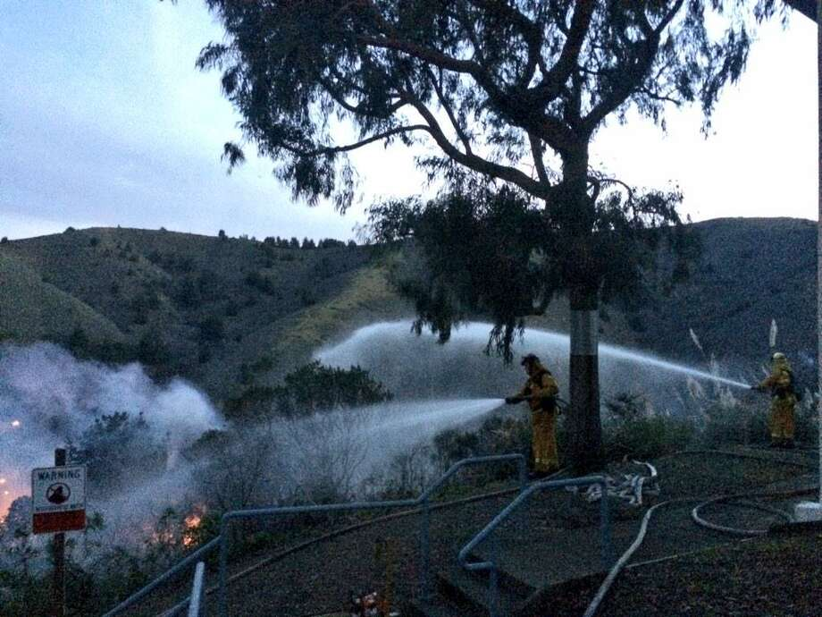 A six-alarm grass fire was burning in Pacifica. Photo: Evan Sernoffsky / ONLINE_YES