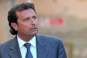 Italian prosecutor seeks 26 years for Costa Concordia captain - Photo