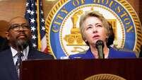 Annise Parker, alcaldesa de Houston, apoya los argumentos legales presentados por un grupo de más de 30 ayuntamientos a favor de los programas de suspensión provisional de deportaciones que son parte del decreto sobre inmigración que el presidente Obama presentó el pasado 20 de noviembre.