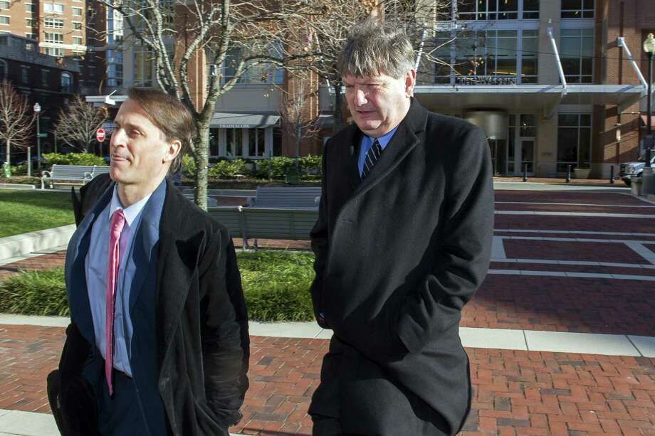 New York Times reporter James Risen, right, arrives at federal court in Alexandria, Va., where he is expected to testify in the case of a former CIA officer. Photo: Cliff Owen, FRE / FR170079 AP