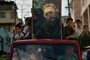 Fidel Castro cautiously backs reconciliation with U.S. - Photo