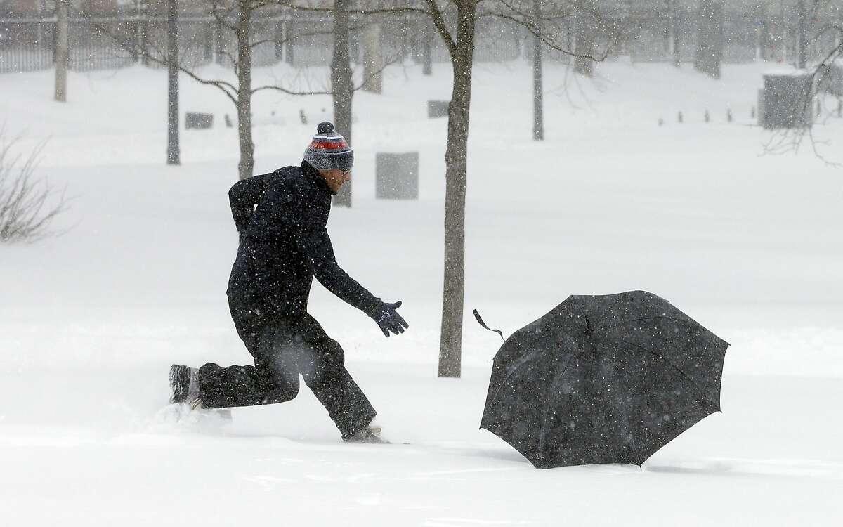 BostonAmount to cancel school: 12 inches (30 cm) Source: Alexandr Trubetskoy