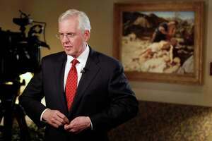 Mormon leaders call for measures protecting gay rights - Photo