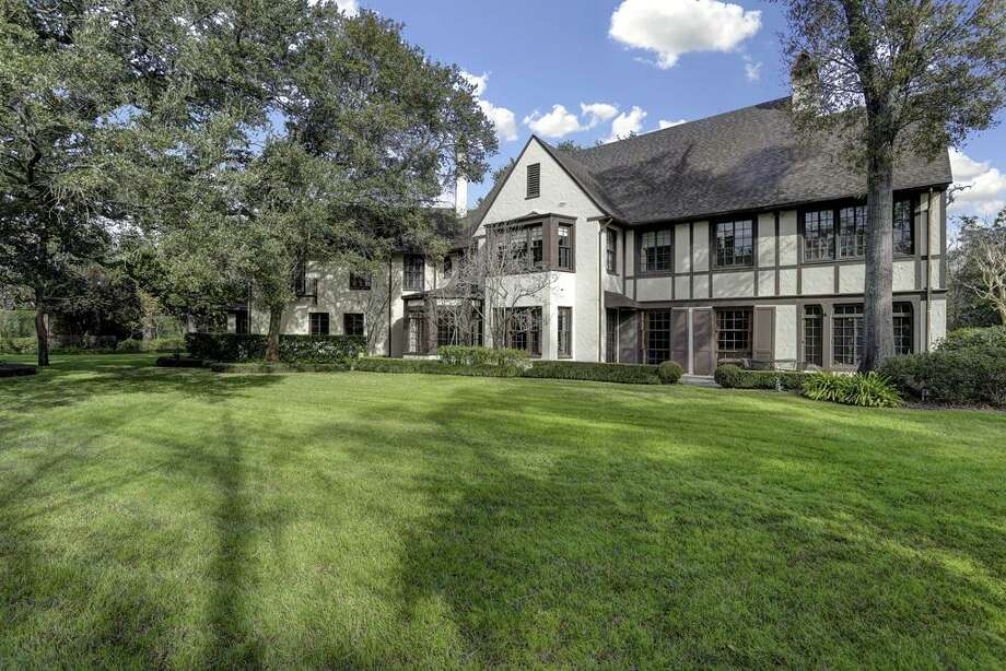 10) 16 SunsetList price: $6.3 millionSold range: $5,081,001 - $5,864,000   Photo: Houston Association Of Realtors