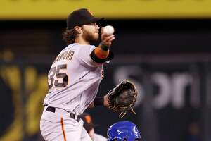 Crawford avoids arbitration, signs $3.175 deal with Giants - Photo