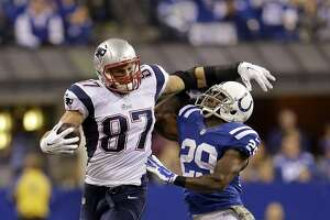 Rob Gronkowski vs. Kam Chancellor is 'big on big' - Photo