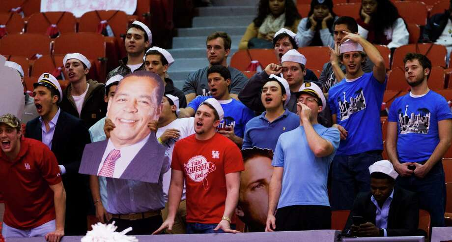 UH fans haven't had much to cheer during an 0-8 start to American Athletic Conference play, but first-year coach Kelvin Sampson's track record provides hope for the future. Photo: Marie D. De Jesus, Staff / © 2015 Houston Chronicle