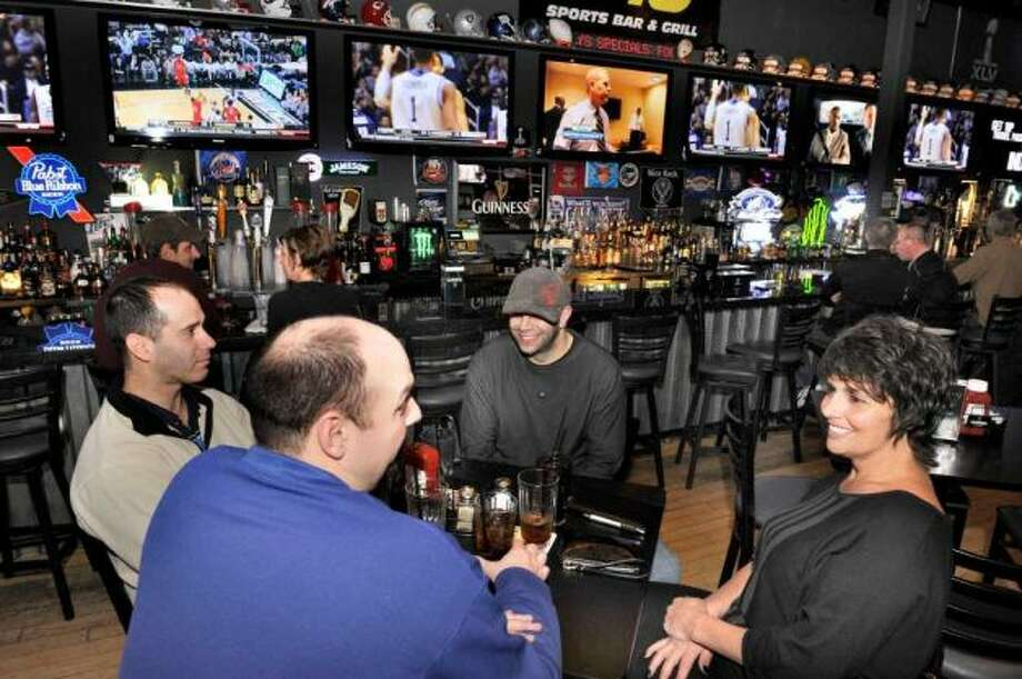1st and 10 Sports Bar & Grill - New Milford: 52 different beers, food, four projection screens