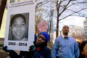 After killings by police, a debate over grand jury secrecy - Photo