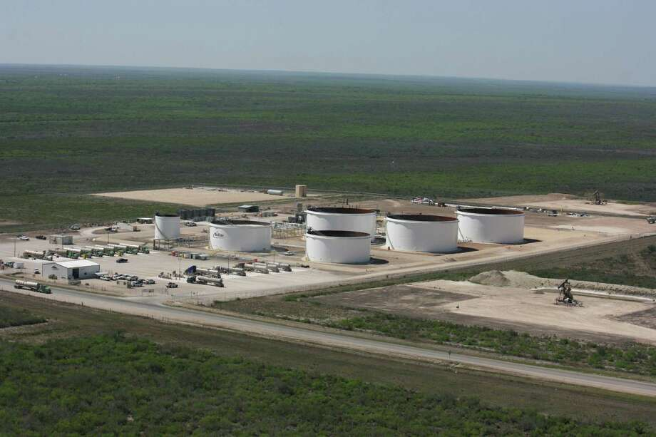 NuStar Energy said higher usage of its storage facilities helped achieve a rise in net income in the third quarter. Storage at its South Texas Crude Oil Pipeline in McMullen County is shown. Photo: /Courtesy NuStar Energy
