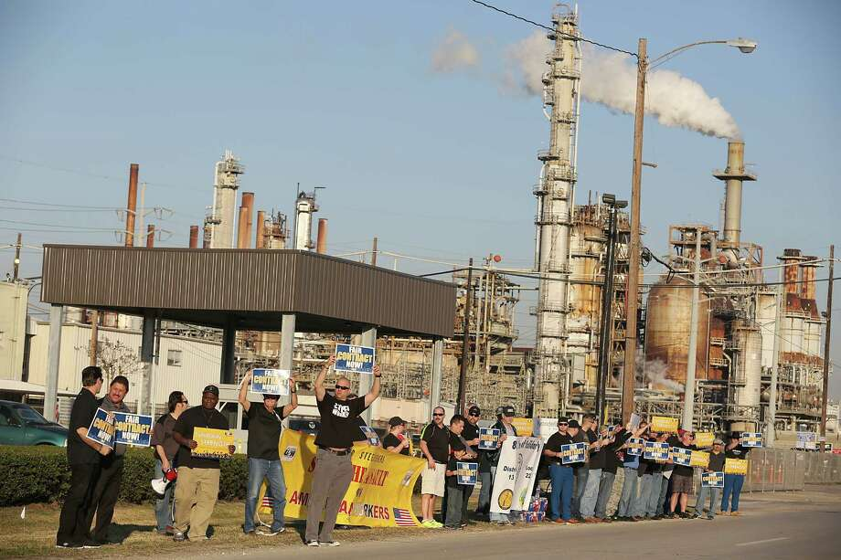 union workers at shell deer park site go on strike houston chronicle. Black Bedroom Furniture Sets. Home Design Ideas