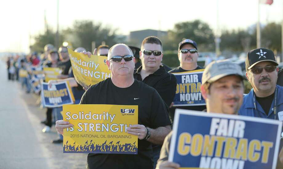 The United Steelworkers Union is negotiating for a nationwide contract. At the same time, local unions are dealing with local issues such as pay and benefits. Over 100 United Steelworkers Union pre strike in front of the Lyondell on Wednesday, January 28, 2015 in Houston, TX. at midnight on Saturday the contract ends. (Photo: Thomas B. Shea/For the Chronicle) Photo: Thomas B. Shea / © 2014 Thomas B. Shea