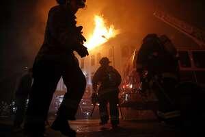 1 dead, 4 injured in raging Mission District blaze - Photo