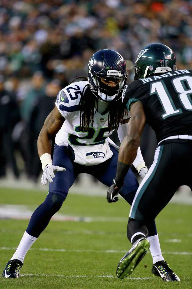 PHILADELPHIA, PA - DECEMBER 07:   Richard Sherman #25 of the Seattle Seahawks defends against  Jeremy Maclin #18 of the Philadelphia Eagles during the first quarter of the game at Lincoln Financial Field on December 7, 2014 in Philadelphia, Pennsylvania.  (Photo by Al Bello/Getty Images) ORG XMIT: 507870613 Photo: Al Bello / 2014 Getty Images