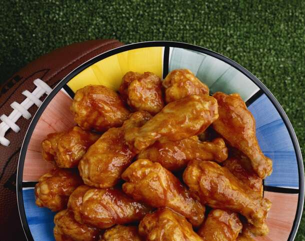 7) Do eat buffalo wings.  The Super Bowl is the perfect excuse to put healthy diets aside and indulge in meaty, cheesy, greasy fare: potato skins mac and cheese, cheeseburger beer dip, bacon-wrapped tater tots. The only thing green should be guacamole (but no double dipping). A  broccoli and carrot plate with nonfat yogurt dip is not allowed.