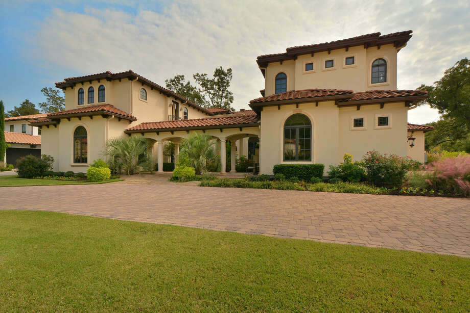 Huston Street, closer for the Los Angeles Angels, has put his luxurious home on Lake Austin up for sale at $5.4 million. The 10,198-square-foot house sits on one acre and has five bedrooms, five bathrooms, a wine room, outdoor fireplace and pool among other features. Photo: Courtesy Of Eric Moreland/Moreland Properties